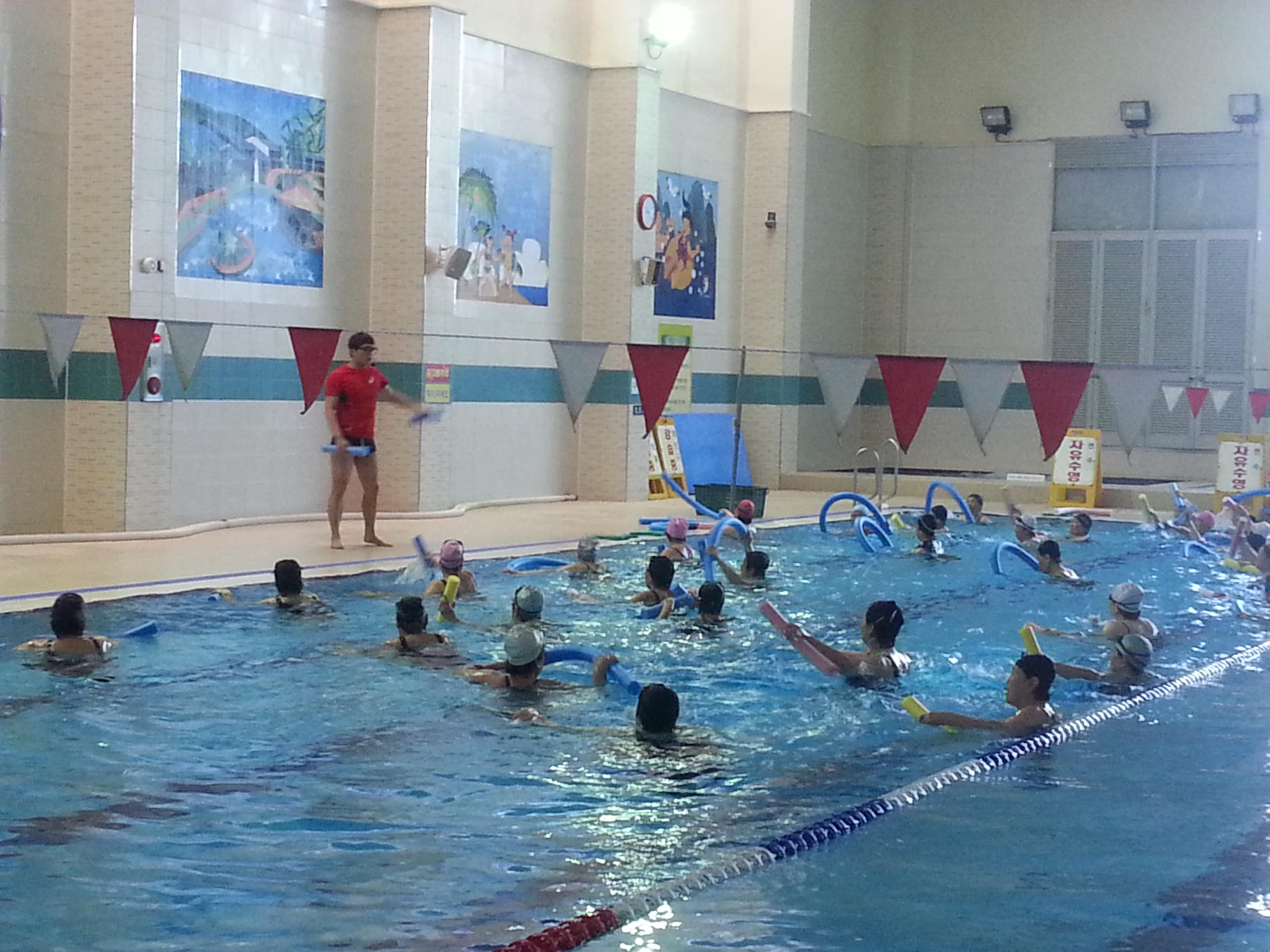 건강한 삶을 위한 2기 아쿠아로빅 수영교실 운영 [이미지]